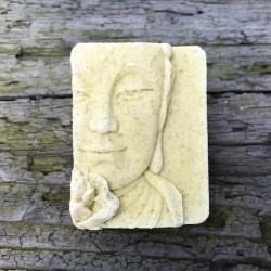 Buddha-Seifenstücke, handgemacht in der Münchner Seifenmanufaktur Waschkultur ohne Zusatzstoffe, feine Naturseife