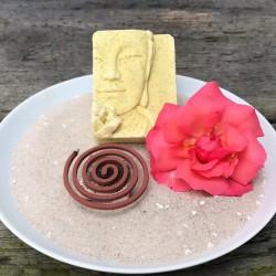 Buddha del Mar, Buddha-Seifenstück handgemacht mit Meersalz und feinen Algen, ohne Zusatzstoffe