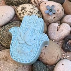 Hand der Fatima Handgemachte Seife aus München. Seifenmanufaktur Waschkultur