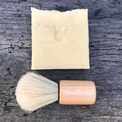 Rasierseife und Pinsel im Set. Handgemacht in der Seifenmanufaktur Münchner Waschkultur